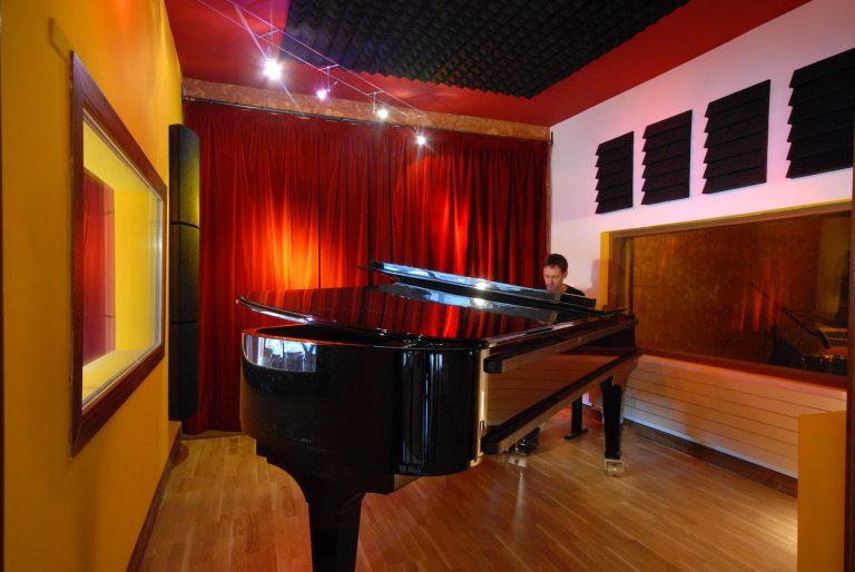 pianocabine002